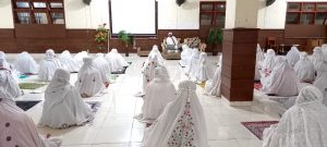 Kajian Rutin Ba'dha Maghrib, Materi Tentang Fiqih Wanita