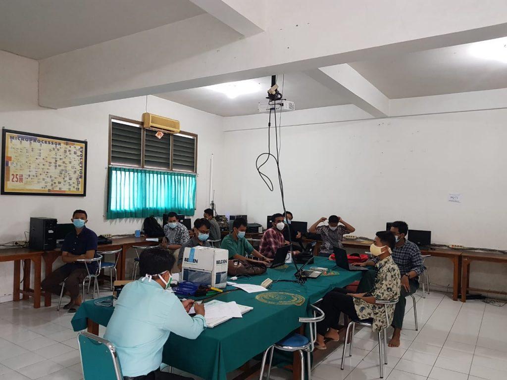 Santri SMK Assalaam Ikuti UKK 2021