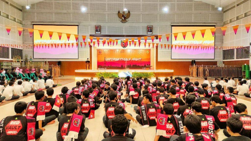 Santriwan Kelas 7-9 MTs Pondok Pesantren Modern Islam Assaalaam Gelar UNFORGETTABLE NIGHT