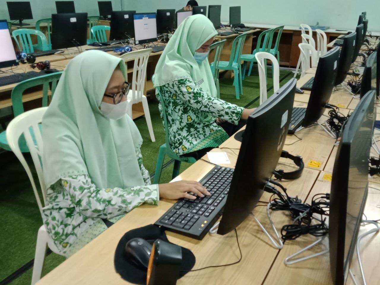 24 Santri MA Assalaam Lakukan Simulasi Kompetisi Sains Nasional tingkat Kabupaten (KSN-K)