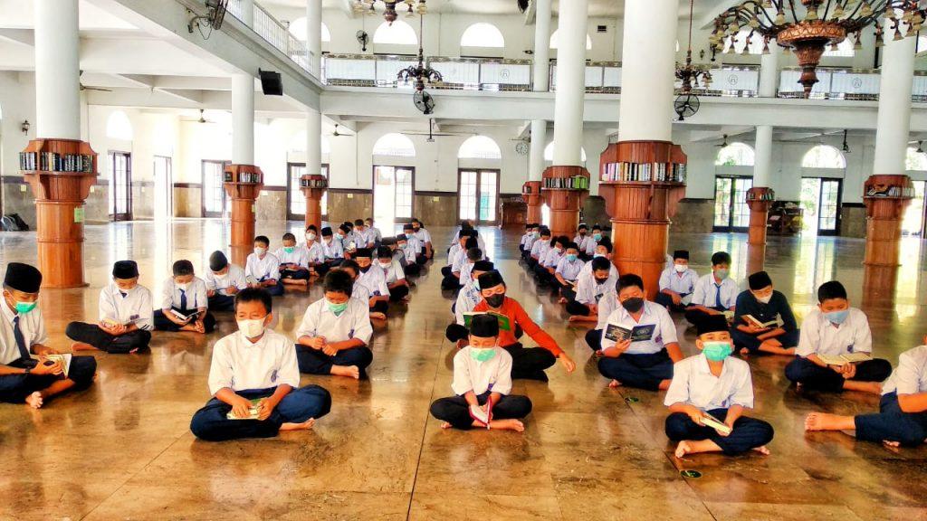 Santri Baru MTs Assalaam Ikuti Program Pendampingan Tahfidz