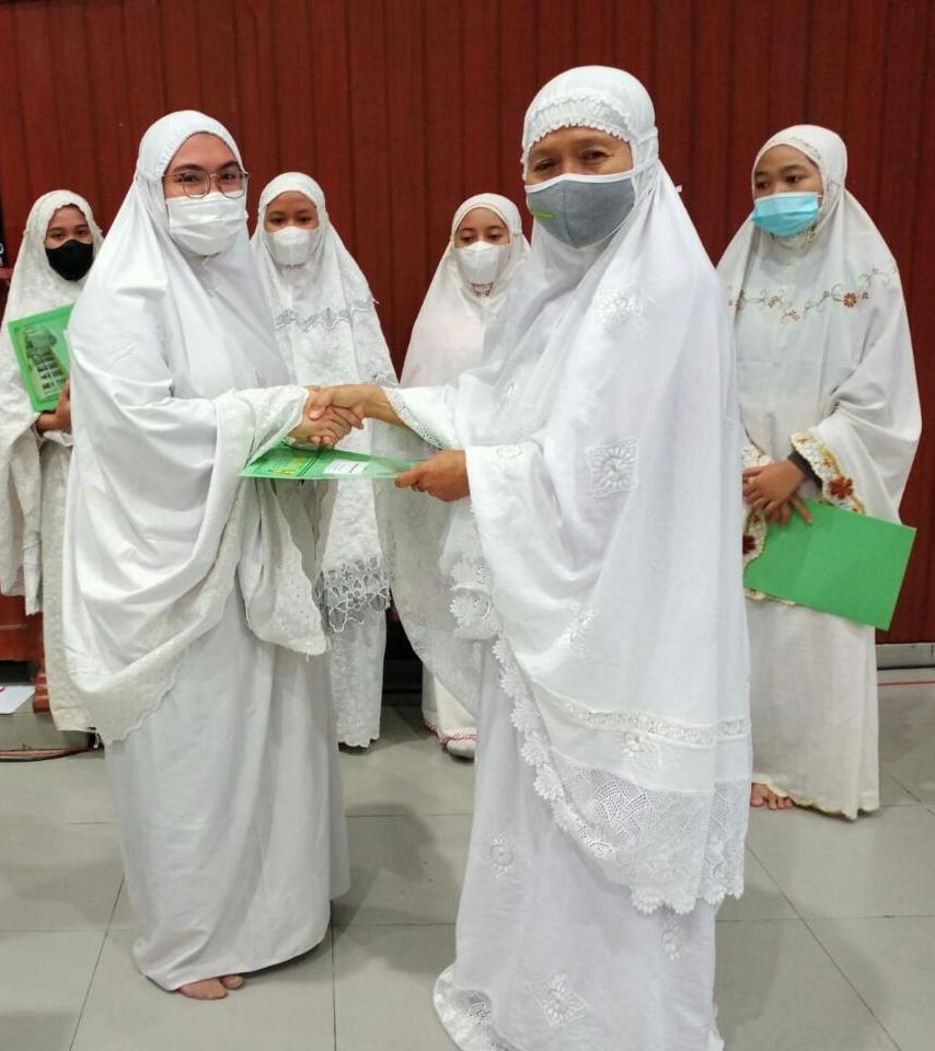 santriwati Hafal Al-Qur'an